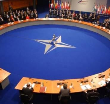 Claus Hjort til sidste NATO-møde inden NATO-topmødet i juli