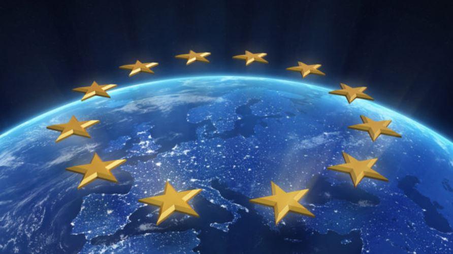 SIKKERHEDSPOLITIK I EU – NYTÆNKNING ELLER FORFALD